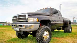 The 15 Most Beastly Large Pickup Trucks | Wtty