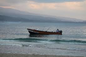 「fisherman in the ocean」的圖片搜尋結果