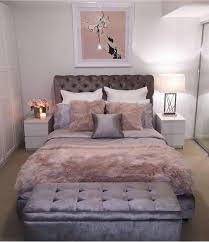 Bed room idea just black white and grey with accent of red