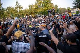 Protest reaches fever pitch as cops ...