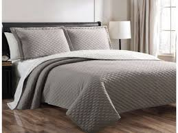 Bedroom: Quilted Bedspreads King Grey King Size With Standing Lamp ... & Interesting Quilted Bedspreads For Modern Bedroom Design Ideas Decoration: Quilted  Bedspreads King Grey King Size Adamdwight.com