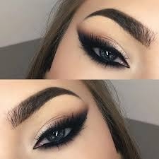 love this dramatic cat eye makeup y and perfect for the party