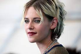 Kristen Stewart Shines as a French New ...