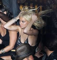 lindsay lohan upskirt panty flash      Lindsay Lohan     Real Amateur Porn Video Lindsey celebrity upskirt