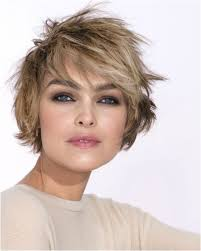 Short To Medium Hairstyles For Round Faces Inspirational 10 Easy