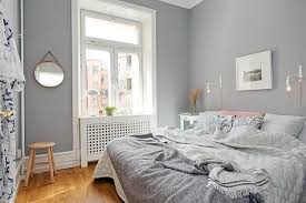 Wall mirrors to stretch small spaces, home staging tips for bright small  bedroom designs