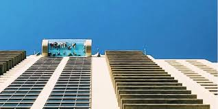 glass bottomed pool at market square tower in houston texas business insider