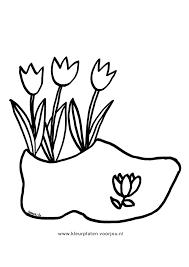 Kleurplaat Moederdag Drie Tulpen In Een Klomp Kleurplaten Voor Jou