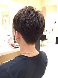 伸ばし途中でダサい髪をしてたスタッフを切りました美容室 Ash 中