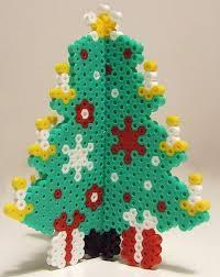 Make It Christmas Time Kerstdecoraties Van Strijkkralen Perler Beads Christmas Tree