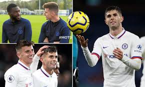 Mason mount has been left out of thomas tuchel's first chelsea starting xi to face wolves on wednesday night, being named among the substitutes alongside timo werner and christian pulisic. Mount Reveals Chelsea Staff Honoured Pulisic By Playing The Star Spangled Banner On Team Bus Daily Mail Online