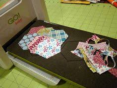 Cutting circles and rings with the @AccuQuilt STUDIO 2 Fabric ... & Cutting circles and rings with the @AccuQuilt STUDIO 2 Fabric Cutter and  Bullseye Circles Nested Dies is such a breeze! Try this FREE pattern. Chan… Adamdwight.com