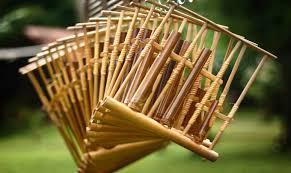 Jenis alat musik tradisonal di indonesia terbilang sangat banyak dan beragam. 17 Alat Musik Tradisional Indonesia Beserta Asal Daerah Gambar Dan Penjelasan Rajinlah Id
