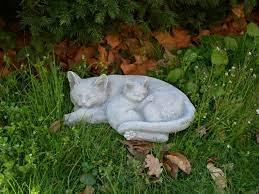 sleeping cats statue garden kitty stone