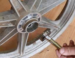 homemade wheel bearing puller. thanks dobbo, for the tip. homemade wheel bearing puller