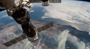 Iss Leak Highlights Concerns About Orbital Debris And Station Operations Spacenews Com