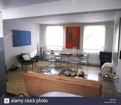 Moderner Offener Wohnbereich Mit Einem Leder Sofa Couchtisch