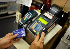 Plenty of credit cards are offered with no annual fee, and consumers often can't justify paying an annual fee in terms of rewards. How Long Does It Take To Pay A 2 000 Credit Card Debt With Minimum Payments Marketwatch