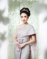 สวยหวานเหมอนเจาหญง แฟชนชดไทยของ แอฟ ทกษอร จากฝมอ