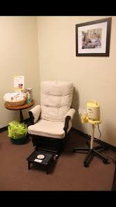 Even if there was a lack of space, a small simple room like this would be  good. Again, hospital grade pump a plus.