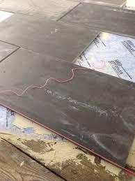 Linoleum fußboden friesenhaus linoleumboden vinylböden küchen bodenbelag keller renovieren gestrichene fußböden wohnen holz muster. Fliesen Auf Holz Anleitung Und Tipps Baustoffhandel Nrw