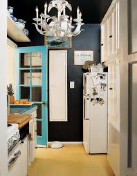 i tried and failed to replicate the look in full in my park slope kitchen and ran away from navy blue paint forever but i never quite let go of tole