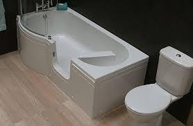 P-shaped walk in bath