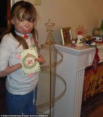 Free Standing Christmas Card Holder Display Sa'fyre Terry 100 Who Lost Her Entire Family In Arson Fire 92