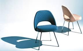Saarinen Executive Side Chair With Metal Legs Hivemodern Com Eero Saarinen Chair Designs