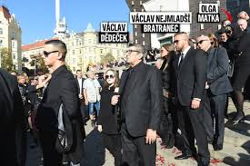 Pohřeb Jana Kočky Ml 28 Matka Olga Nad Hrobem Chyběla Bleskcz