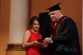 Луганский Информационный Центр Выпускники Луганского  Выпускники Луганского медицинского университета получили дипломы врачей ФОТО