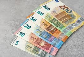 The euro has gone back and forth during the course of the trading session on thursday as we have seen quite a bit of noise over the last week or two. New 100 And 200 Euro Banknotes In Circulation Coinsweekly