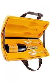 veuve clic yellow label traveller gift pack