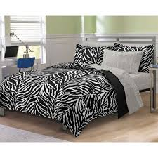 distintive black and white bedding set in zebra theme