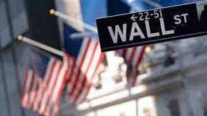 Dow tumbles over 400 pts as Wall Street ...
