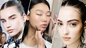 models with minimal naturallooking plexion makeup