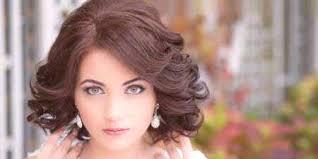 Svatební účesy Pro Střední Vlasy S Třesky Nápady Na Krásné Vložky