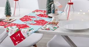 how to sew a christmas table runner sewing quilting christmas festive