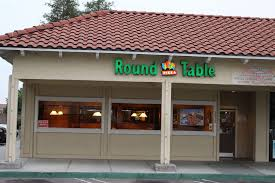 evergreen plaza round table pizza