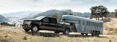 Flatbed Trucks vs. Trailers   Badger Truck & Auto Group