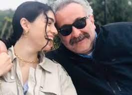 Onur Ünlü sevgilisi Hazar Ergüçlü'nün fotoğrafını paylaştı! 'Dünyanın en  güzel uzaylısı'