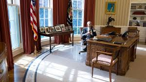 oval office rug. Trump Changed The Drapes And Rug, But Kept Desk. Oval Office Rug