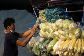 Thai grocery trucks get new life from coronavirus shutdown - Reuters