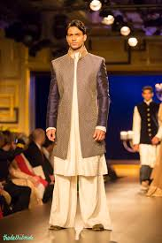 Manish Malhotra Mens Designs For The Indian Groom Thedelhibride Indian Weddings Blog
