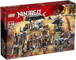 LEGO Ninjago The Dragon Pit 70655 (1660 Teile): Amazon.de: Spielzeug