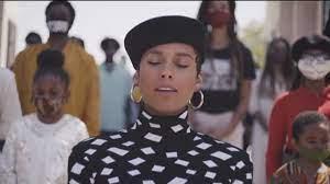 Alicia Keys sings Black National Anthem ...