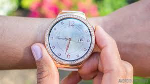 huawei smartwatch on wrist. huawei watch jewel review 7of12 smartwatch on wrist