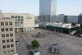 Einer für alle Interessen: Bezirk sucht Manager für den Alexanderplatz -  Mitte