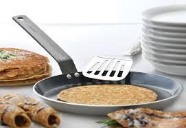 Какая <b>сковорода для блинов</b> лучше: чугунная, алюминиевая или ...
