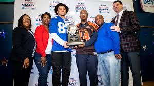 Giants, HSS present Duane Coleman with 2019 USA Football Heart of a Giant  Award